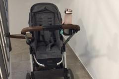 Platz für Kinderwagen im Treppenhaus